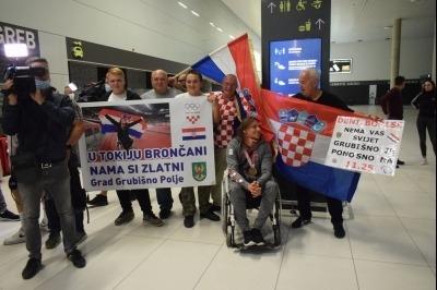 Doček Denija Černija i Borisa Kljaića u Zračnoj luci u Zagrebu